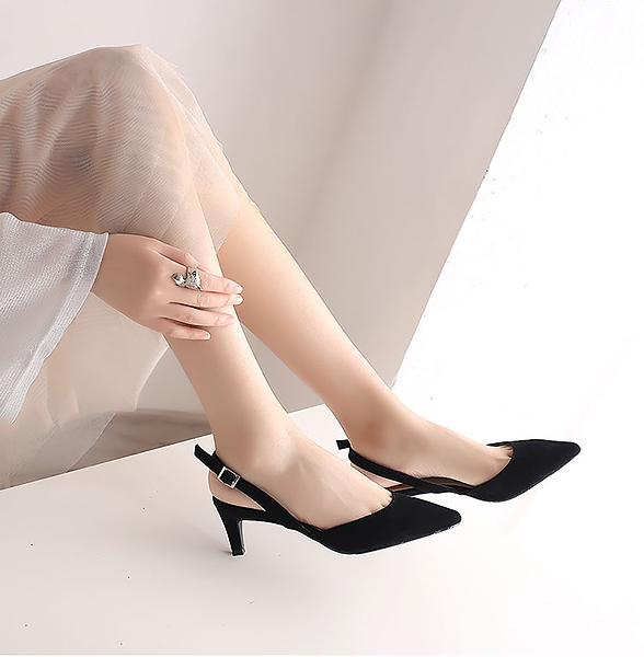 """6 kiểu giày cao gót giúp bạn """"kéo chân"""" thần kỳ"""