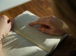 Tại sao nên học Tiếng Anh bằng đọc sách văn học?